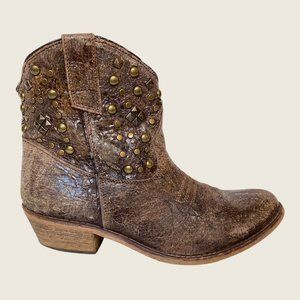 Steve Madden Bronco Distressed Western Boots